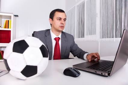 a career description sport management The job description for a sports manager can be simple or complicated, depending on where you're located, your school or sports organization size, and your own goals understanding the basic duties of a sports manager may help you decide whether this is a field you'd like to enter.